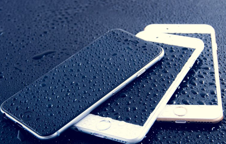 Специализиран iPhone Сервиз ремонт намокрени телефони