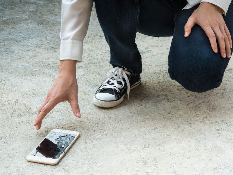 Специализиран iPhone Сервиз Смяна на счупено стъкло