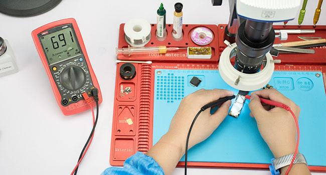 Бързи ремонти Смяна на чипове GSM Сервиз