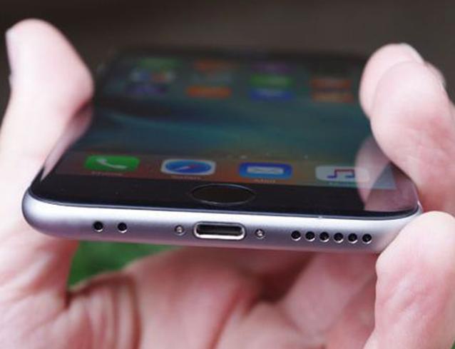 Специализиран iPhone Сервиз Смяна ремонт на слушалка